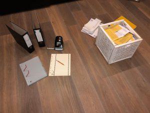 Kiste und Handwerkszeug